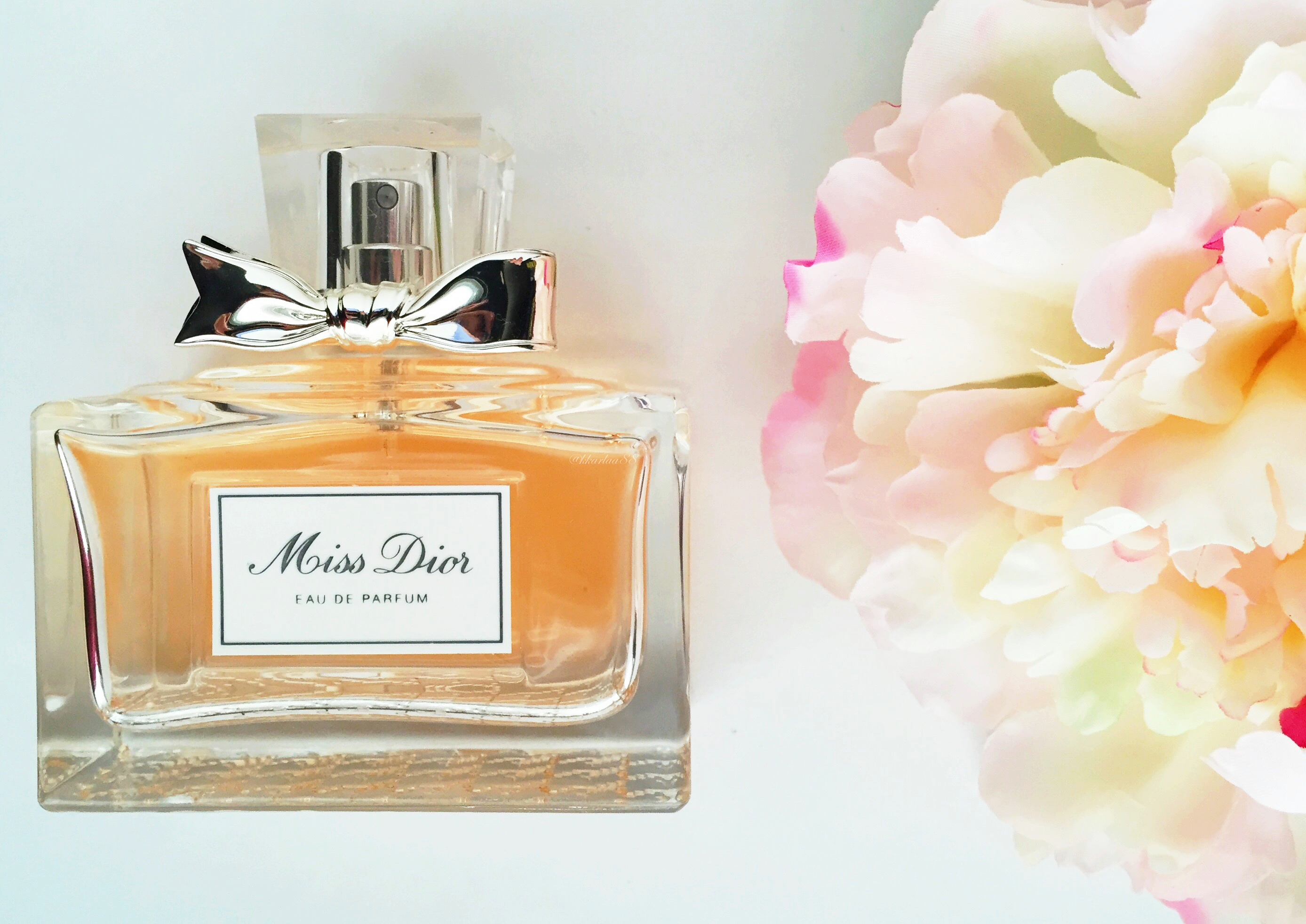 miss dior eau de parfum makeup flowers. Black Bedroom Furniture Sets. Home Design Ideas