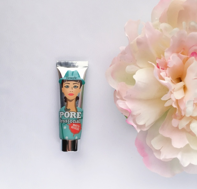The POREfessional: Matte Rescue Invisible-Finish Mattifying Gel Primer | Review